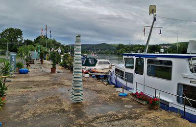 Bootshafen der Marina Veitshöchheim e.V. ein Projekt voller Brisanz und Unstimmigkeiten: Grüne und UWG lehnten Erschließungs- und Bebauungsplan ab - Bau einer Slipstelle mit Feuerwehr und Wasserwacht noch nicht abgeklärt