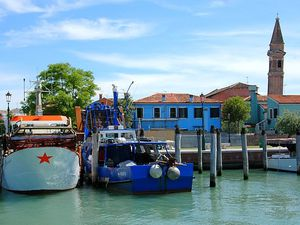Arrivée à Burano, aux maisons pastel, Venise.