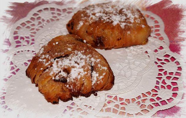 Sfogliatella   (dulce italiano)  relleno de nocilla