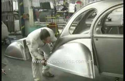Fabrication des derniéres 2cv au Portugal en 1990