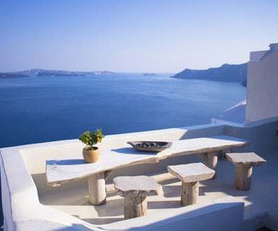 Stay in luxurious villas for rent in Greece
