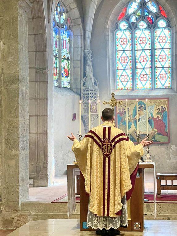 Photos de la messe du Jour de Paques à Villars avec la première communion de Diego PRETOT à Villars