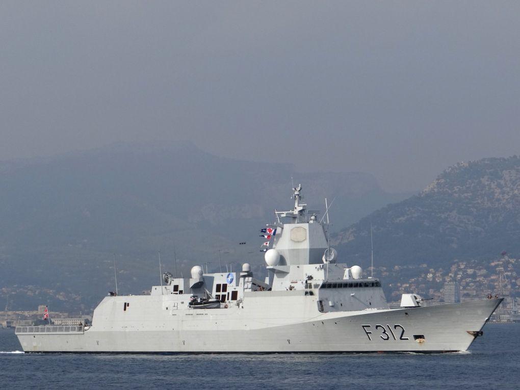 OTTO  SVERDRUP , F312 , fregate de la marine royale norvégienne  appareillant de Toulon le 02 octobre 2017