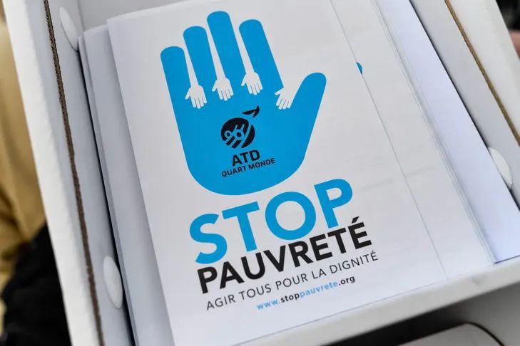 ATD Quart-Monde dont le but est de donner la parole aux pauvres pour les associer aux politiques publiques est marginalisé par les élus