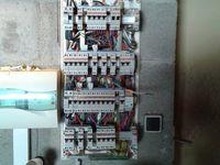 Deux prises de courant supplémentaire pour une arrière cuisine qui était un garage, donc  montage des tubes IRL et câbles électrique adaptés.