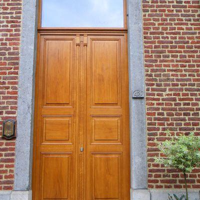 Porte d'entrée en chêne - copie style namurois