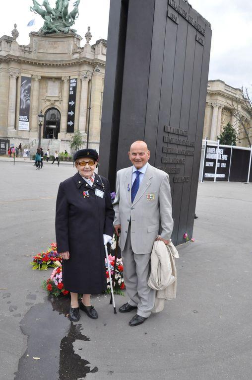 72ème anniversaire de l'Appel du 18 juin 1940. Hommage de l'UGF sur sur les Champs-Elysées, statue du général de Gaulle.