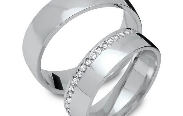 Des alliances gravées et un bijou personnalisé pour réussir son mariage