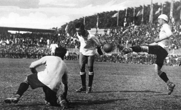 Così Arthur Friedenreich decide la finale del campionato sudamericano 1919 all'inizio del terzo tempo supplementare