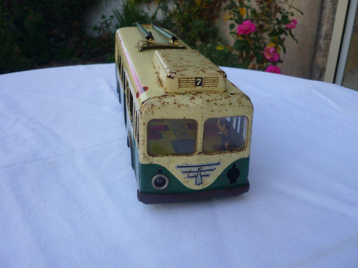 Bus, trolley en tôle Joustra à vendre