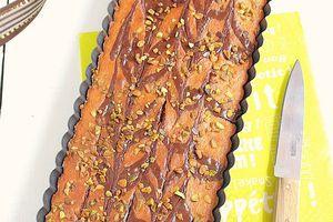 Moelleux à l'Amande, Zébré Chocolat & Éclats de Pistaches Grillés