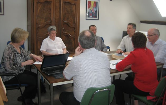 "Groupe de travail sur une formulation commune des valeurs maristes et d'un logo /..../ Working group on a shared formulation of ""Marist Values and Logo"""