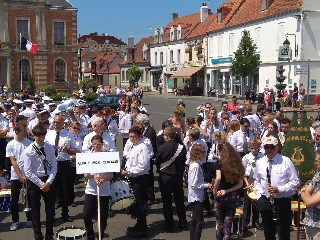Rassemblement des harmonies de la délégation sur la place d'Etaples, et concerts dans la commune.