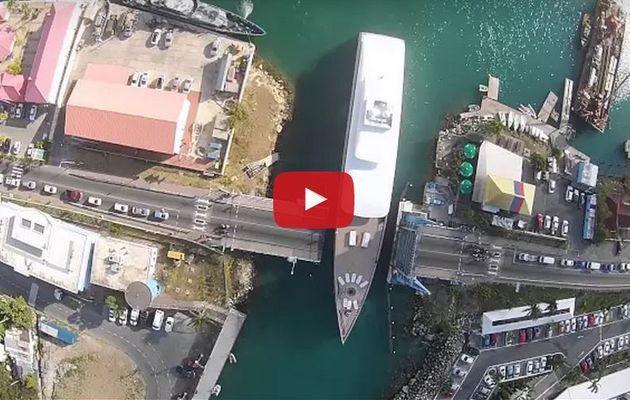 VIDEO - l'étrange yacht de Steve Jobs (Apple), traqué par un drone