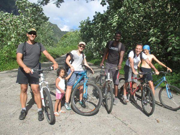TAHITI : COTE MONTAGNE - DIRECTION LA VALLEE DE LA PAPENOO