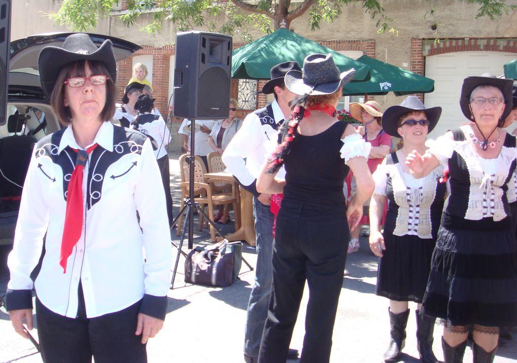Belle prestation de Cowboy Country 45 pendant la foire de la St Jean à Nogent