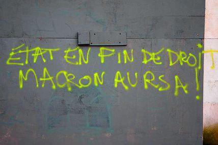 CHÔMEUR PAS CHIEN !