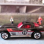 64 CORVETTE STINGRAY HOT WHEELS 1/64 - CHEVROLET STING RAY 1964 - car-collector.net