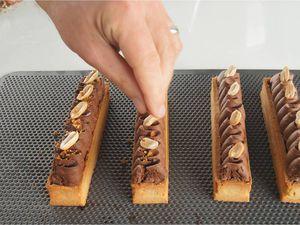 Barre gourmande au chocolat et cacahuètes