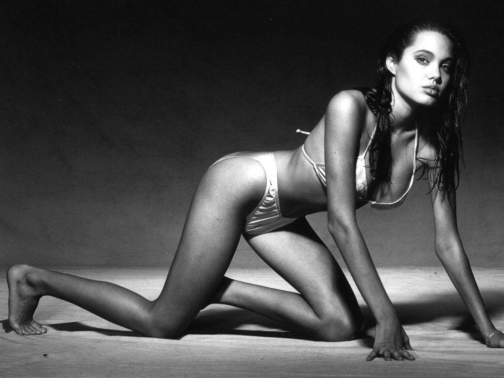 Parmi les belles femmes de ce monde Angelina Jolie Le Pèlerin
