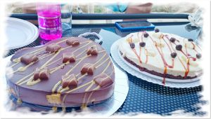 Tartas de chocolates con  trozos de chocolate