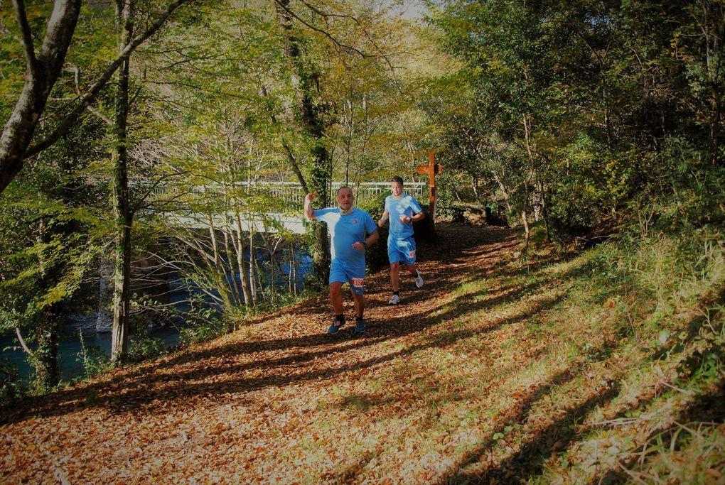 Suite et fin du Trail, remise des coupes en présence de François Balazun maire de le Tignet et Jérôme Viaud maire de Grasse .