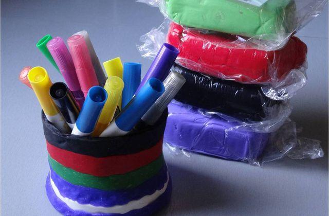 Pot à crayons en porcelaine froide DIY