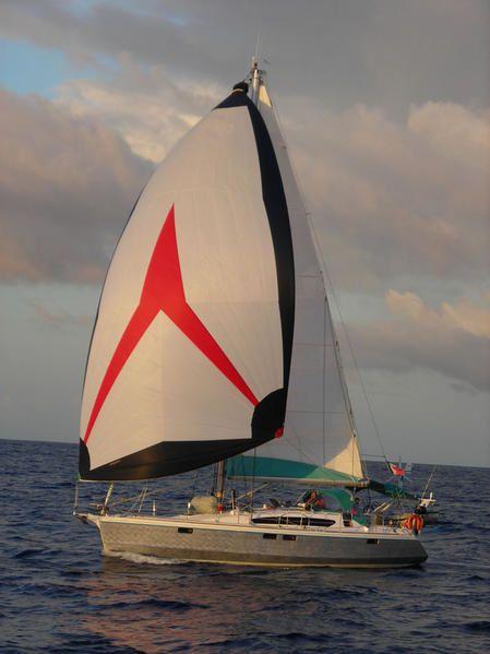 """<font size=""""2"""">Partie 5 de la compilation de 245 photos proposée par tous les voiliers du rallye, pour chaque bateau : une photo de l'équipage et dix photos préférées.</font>"""
