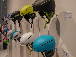 Lampe BMW 1000 lumens et gamme des casque Dynafit