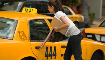4 Reasons Why You Need Taxi Service Apple valley Instead of Uber In 2020