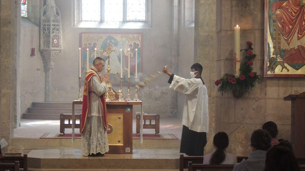 Messe de la Pentecôte - Baptême et 1ere communion de Kayla TREFFORT