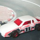 CHEVY STOCKER HOT WHEELS 1/64 - car-collector.net