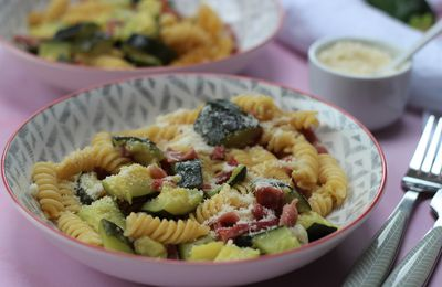 ONE POT PASTA COURGETTES BACON AVEC OU SANS COOKEO