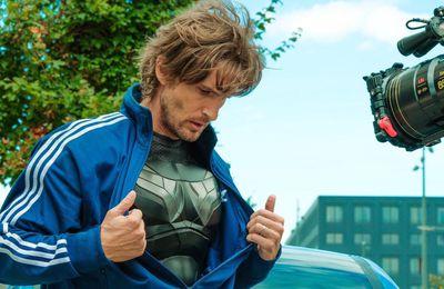 Super-héros malgré lui : une première photo pour le nouveau film de la bande à Fifi