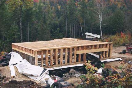 Maison en pneus au Québec n°27/42 (octobre 2005) Muret toit