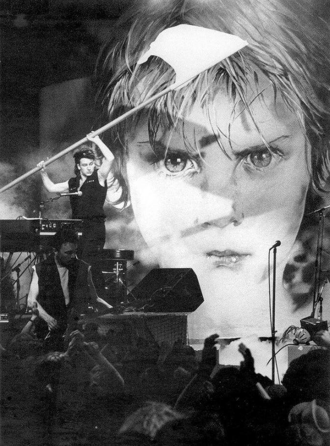 U2 -War Tour 1982/1983 en vidéos concerts.