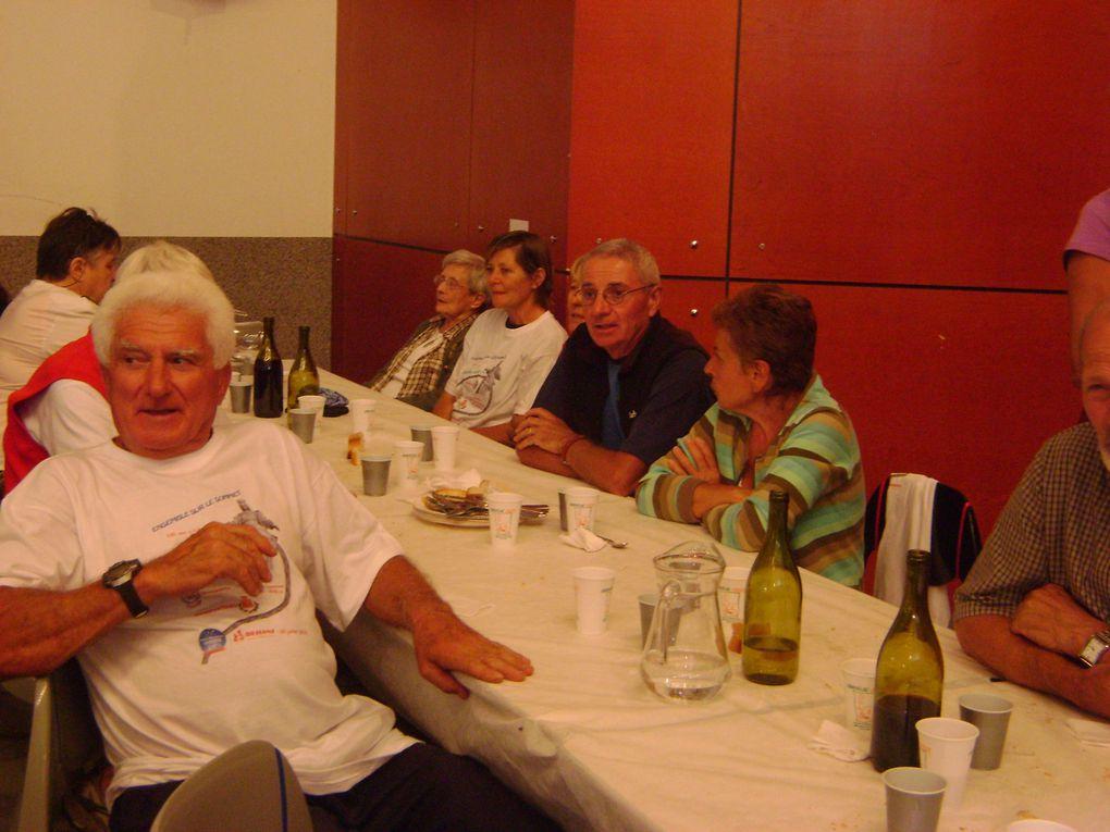 Français et Italiens étaient réunis au sommet de Rochemelon puis à Bessans pour le 113e anniversaire de la Madone.  Photos : EM.Tracq