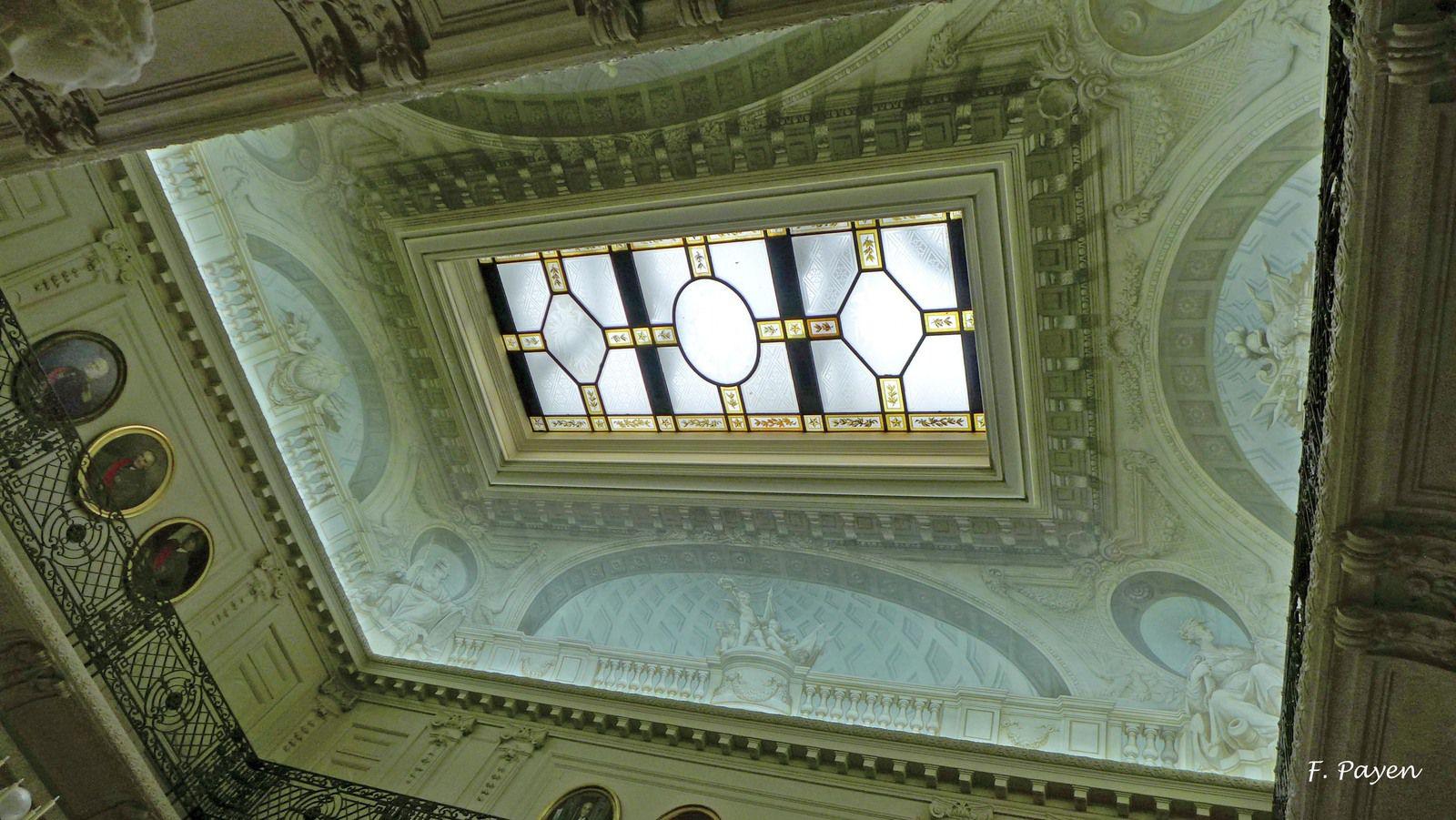 Palais de la Légion d'honneur : le grand vestibule.
