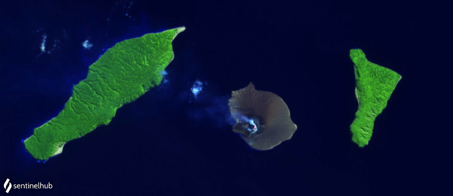 Anak Krakatau - clear sky and light plume of gas and steam on 07/18/2021 - image Sentinel-2 bands 12,11,4 - one click to enlarge