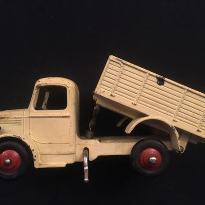 RARE DINKY #25M ALL-CREAM BEDFORDS - Beware of the fakes !