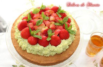 Tarte aux fraises et mousseline pistache sur sablé breton