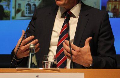 Pressetext Bürgerversammlung - Erfreuliche Haushaltslage -  Eine Vielzahl von Projekten im Gange oder geplant