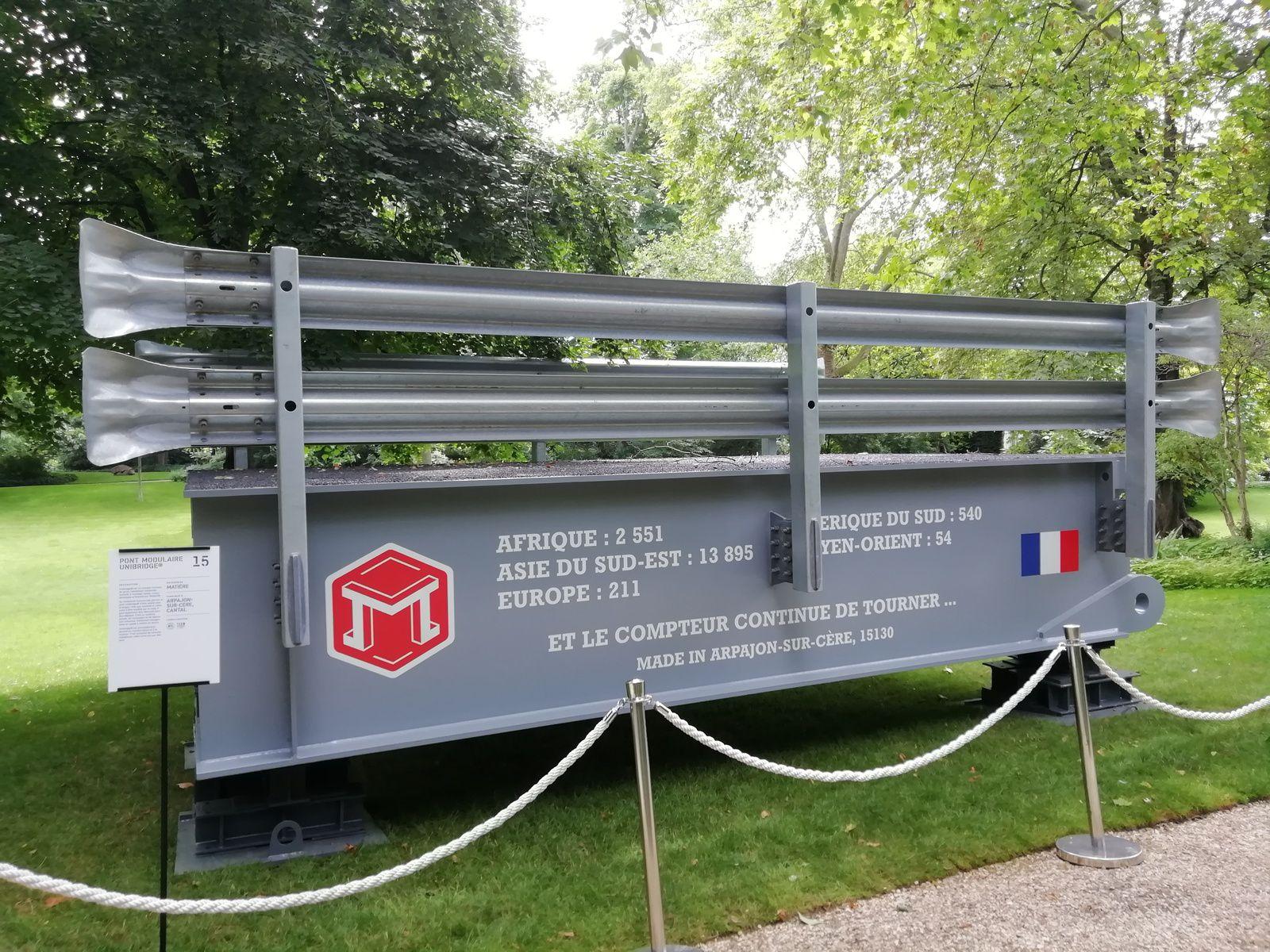 Photos J.S / 15 Cantal - Pont Modulaire Unibridge® par Matière ; 14 Calvados - Abri de touche VIP par Métalu-Plast