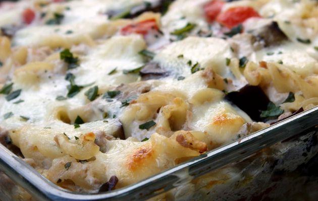 Gratin de pâtes au thon, aubergine et ricotta