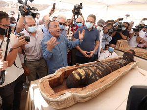 Découverte extraordinaire de 59 sarcophages en parfait état en Égypte