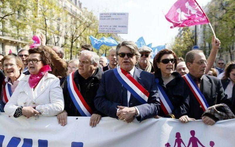 Mariage pour tous une « sorte d'acte fondateur entre la droite et l'extrême droite »