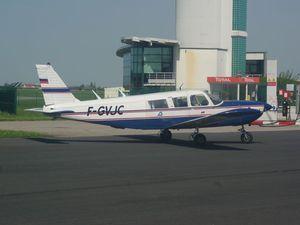 Le Piper Cherokee Six de Para76.