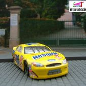 FORD TAURUS STOCKER 2000 HOT WHEELS 1/64 - BILL ELLIOT MC DONALDS - car-collector.net