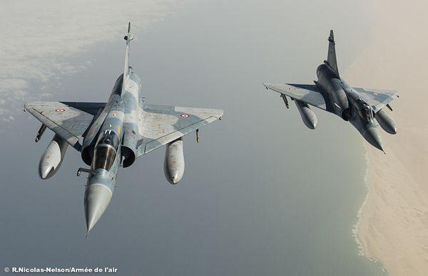 Photo : (c) Armée de l'Air - Convoyage des deux Mirage 2000C.