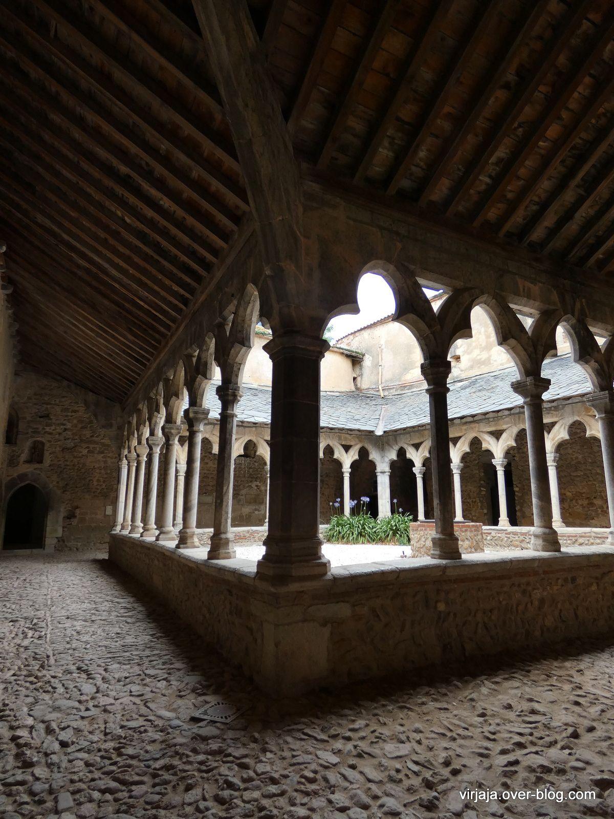 Monastir del Camps, le cloître